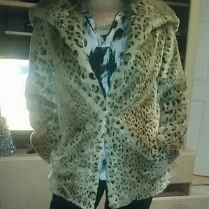 Jackets & Blazers - Cheetah print coat