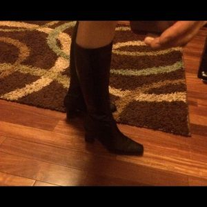 Size 6 perfect knee boots!! Like new