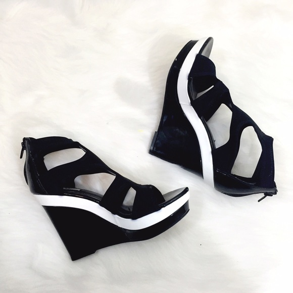 30c646384f0c Simply vera wang shoes simply vera wang wedges poshmark jpg 580x580 Vera  wang wedges shoes