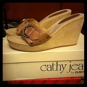 Cathy Jean Camel Wedges