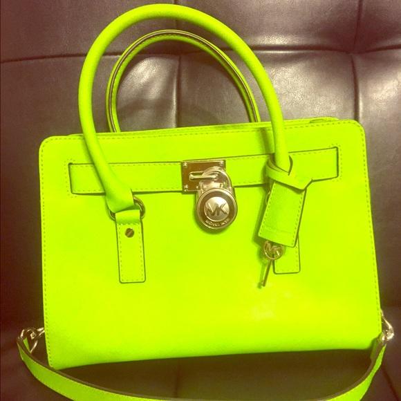 6b1136c46e322e AUTHENTIC** lime green Michael Kors Hamilton bag. M_566f995677adeaf330071e7d