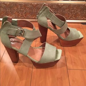 Jeffrey Campbell heels with box