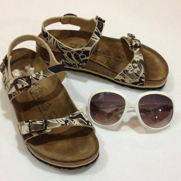 b388556bd195 Birkenstock Shoes - Birkenstocks Birki s cream brown pattern sandals