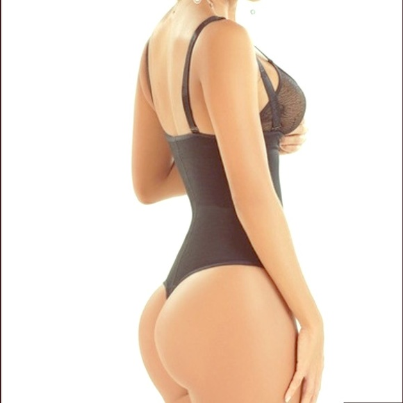 55 Off Pretty Girl Curves Other Pretty Girl Curves Body