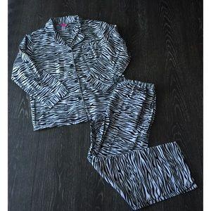 Other - 🦄 Zebra Print Flannel PJs🦄