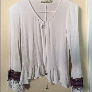 Chloe K Tops - Cute flowy blouse