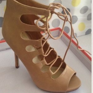 Shoes - ISO ZARA LACED UP HEELS