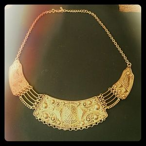 Jewelry - B2G1🆓️ Golden Gladiator Plate Necklace