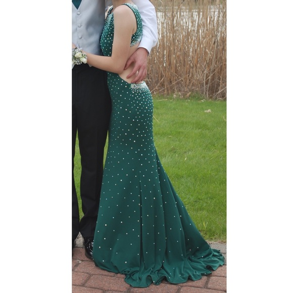 39 off dresses amp skirts jovani gorgeous dark emerald