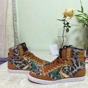 Kurt Geiger Shoes - ✨Rare✨ Kurt Geiger London Hummel sneakers