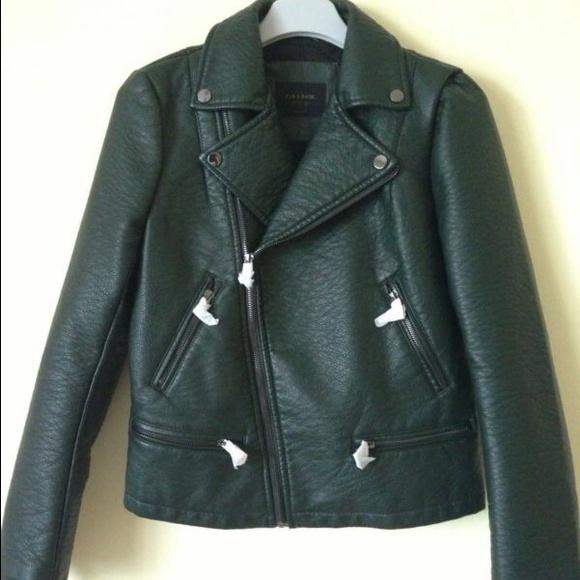 8f3dbe537 Zara Green Leather jacket