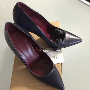 NIB Zara court shoes pump sz 35