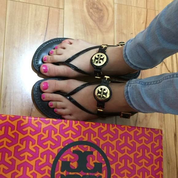 eb460df35b897 ... Tory Burch Ali Thong sandals! M 5671e0b9291a353aa7002699