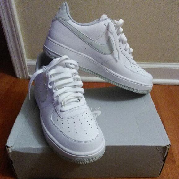 3e1fed59 Nike low top NWT