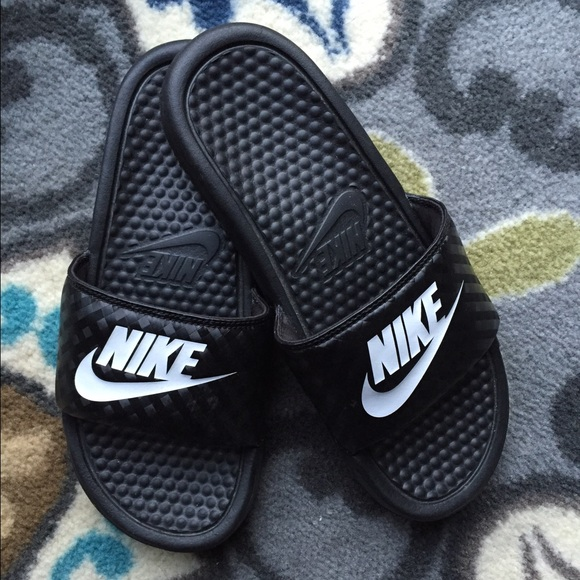fcbbf84abf09 NIKE BENASSI JUST DO IT Women s Sandel. M 5672344a6ba9e62eb3005bbe