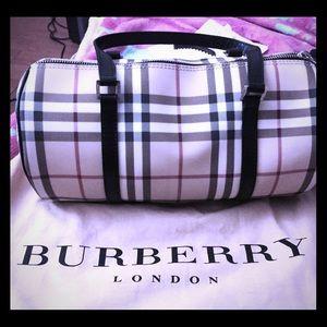 Burberry Handbags - 💯% Authentic Nova Plaid Lola Barrel Bag