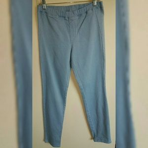 *UNIQLO* *NWOT* DENIM JEGGINGS
