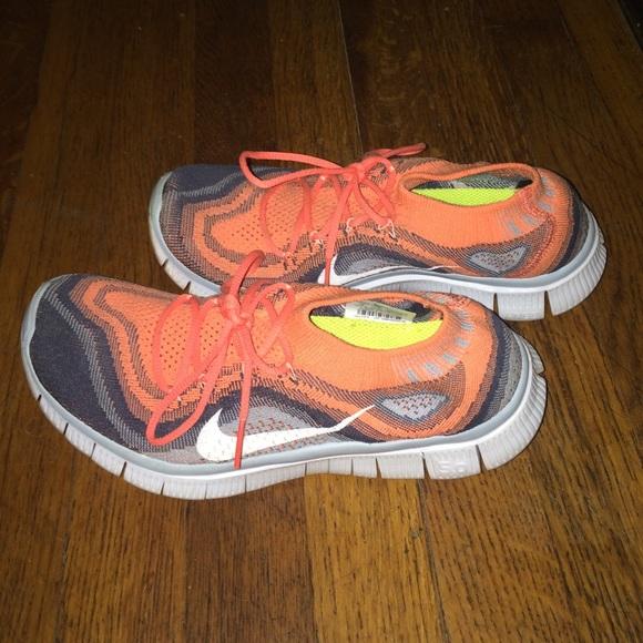 d36acabe2c0b Women s Nike Free 5.0 Flyknit sneakers size 8. M 5672fe7a7eb29feeba011ffc