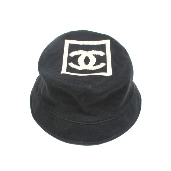 CHANEL Accessories - CHANEL BUCKET HAT - CC LOGO BLACK   WHITE COTTON 925e2b9dbb9