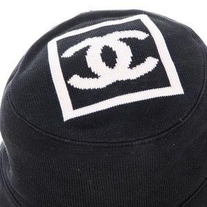 5163d1d2 CHANEL Accessories - CHANEL BUCKET HAT - CC LOGO BLACK & WHITE COTTON