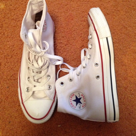 bae01535347e Converse Shoes - BARELY USED WHITE CONVERSE HIGH TOPS