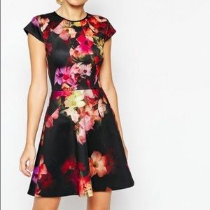 ⬇️LOW⬇️Ted Baker Skater Dress Cascading Floral Pri