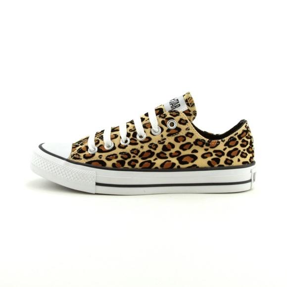 f4660daf827845 HOLD Cheetah Print Women s Size 9