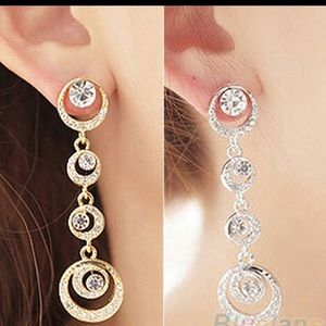 Jewelry - Circle gold plated dangle earrings
