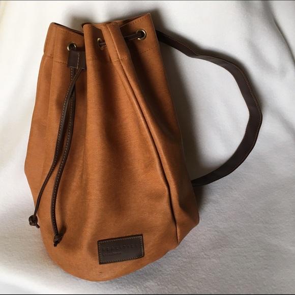 adb1874ef7f2 Liz Claiborne Handbags - LIZ CLAIBORNE Vintage 90s Bucket Bag