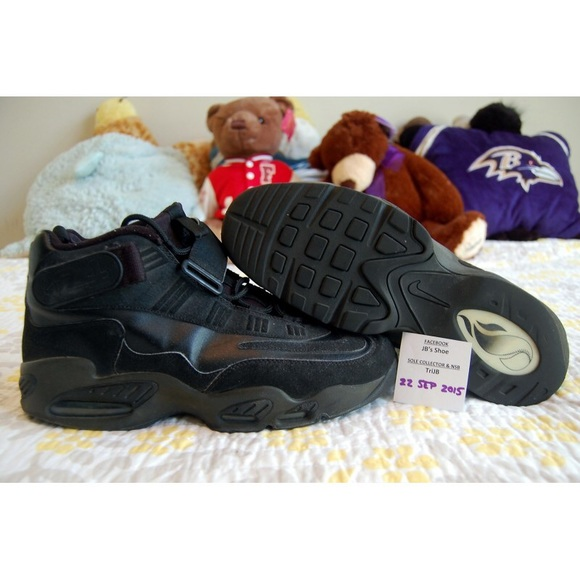 93bc116f057 80% off Nike Other - Men s Nike Air Griffey Max 1 from Jb s closet on  Poshmark