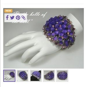 Jewelry - Awesome bangle bracelet