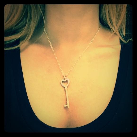 26 off tiffany co jewelry tiffanys key to my heart m56742e4e713fdeb888001c6a mozeypictures Choice Image