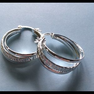 Fancy 3 hoop Per Earring set in Silver