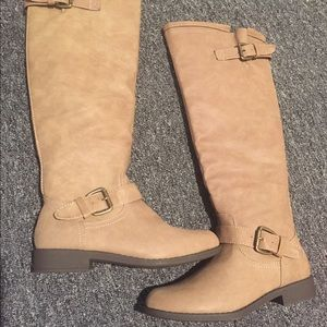 Beautiful sand color tall boots!