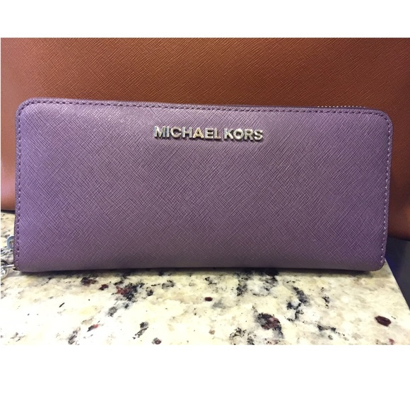edaed2acd7451a Light Purple Michael Kors wallet. M_567446d79818297103003129