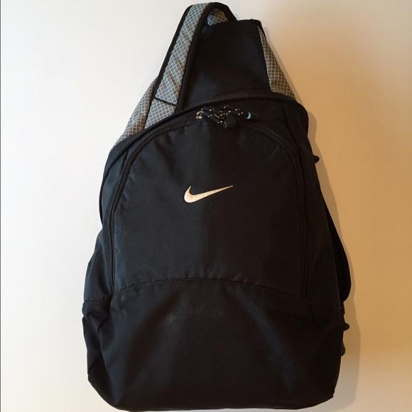 811546c3ab5b Nike single sling backpack. M 567450e3c284566669003984