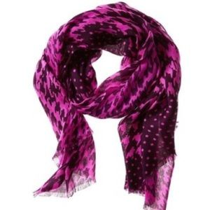 Banana Republic pink houndstooth scarf
