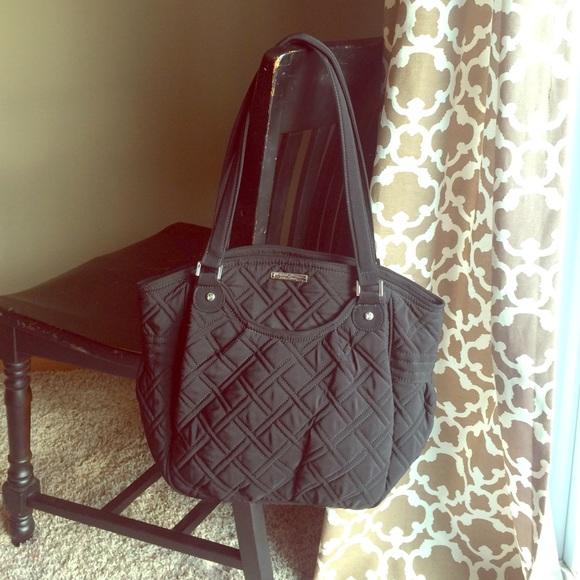 d1ca11d4de5 Vera Bradley Glenna Shoulder Handbag Classic Black.  M 567471ac7fab3a01f80114bf
