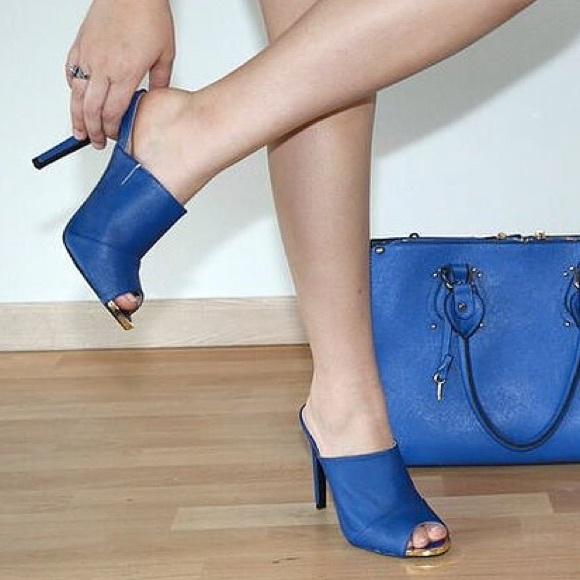 ec2bf435d367 NWT Cobalt Blue Backless Mules 5