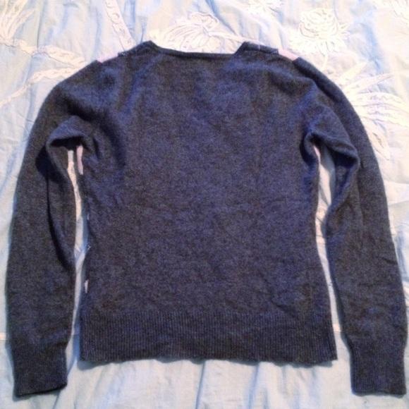 1x Cashmere Sweater 30