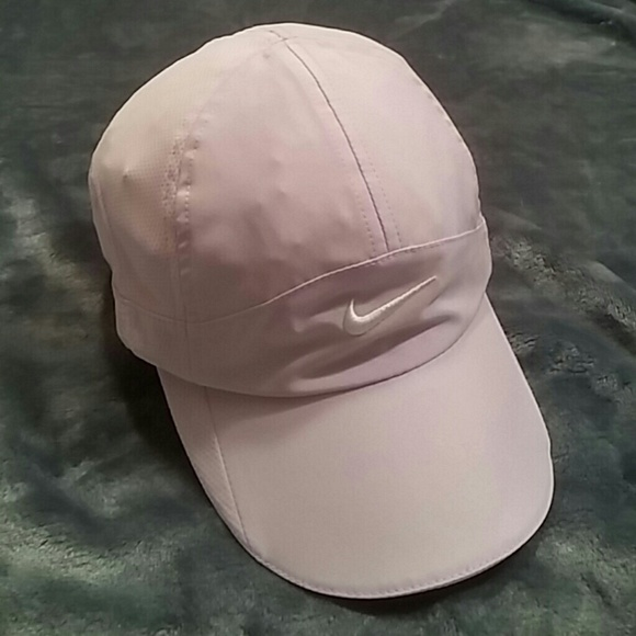 c03572ce2f4a2b ... low price ladies nike light lavender baseball cap euc 209e0 c7bc2
