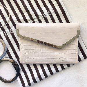 henri bendel Handbags - 💥HP💥 Pale taupe/cream Henri Bendel wristlet