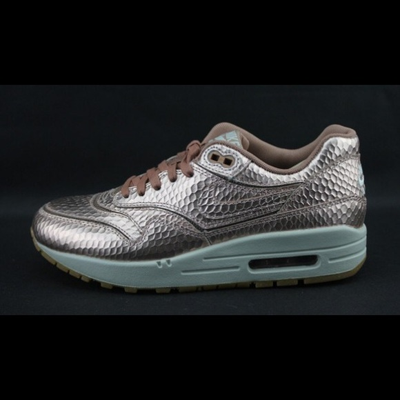 Bronze Nike air max snakeskin rose gold