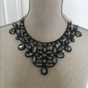 New beautiful necklace statement set