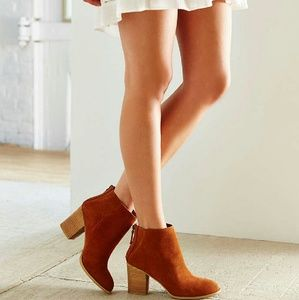 Ecote Suede Boot
