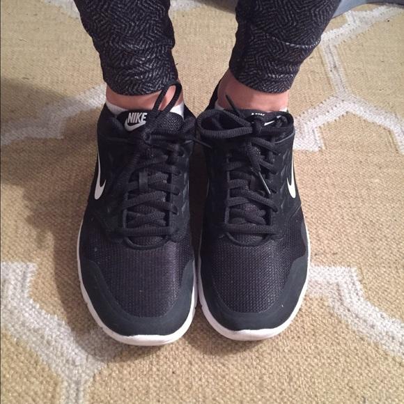 Nike Shoes   Nike Size 8 Black Workout