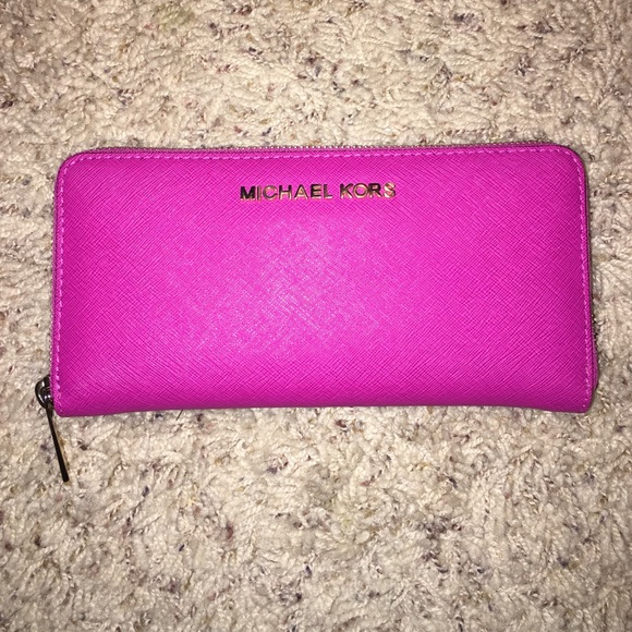 12fab7b6f67f8 Jet Set Travel Saffiano Leather Continental Wallet.  M 5675d221680278c946010c5f. Other Bags you may like. Michael Kors wallet