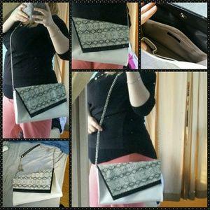 HP!!❤️ Gorgeous shoulder/crossbody bag
