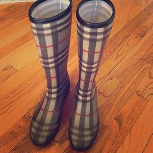 Authentic Burberry rain Wellies!
