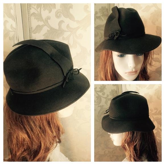 f6435bed818 Vintage BOLLMAN Olive Green Wool Felt Molded Hat. M 5676d4ea51e9ea63a901ec87